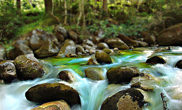 Как фотографировать текущую воду. Основы.